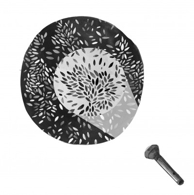 Black and white drawing: flaslight is directed towards leaves of the plants